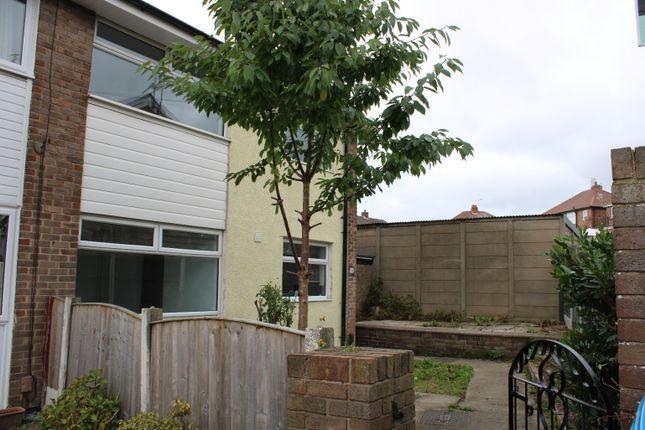 3 bed semi-detached house to rent in Molyneux Close, Prescot L35