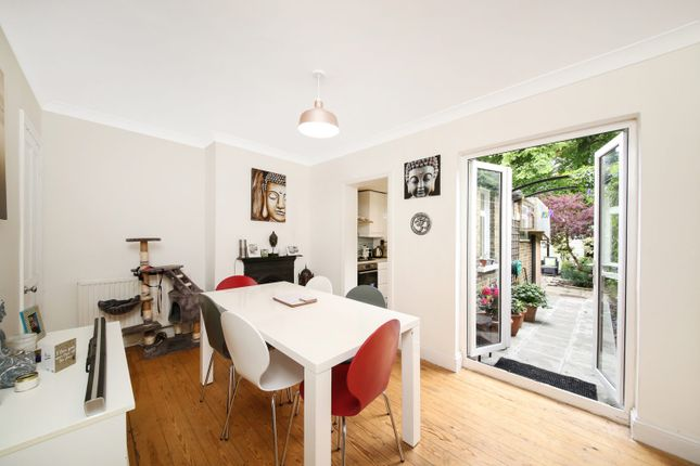 Thumbnail Cottage for sale in Lucas Road, Penge, London