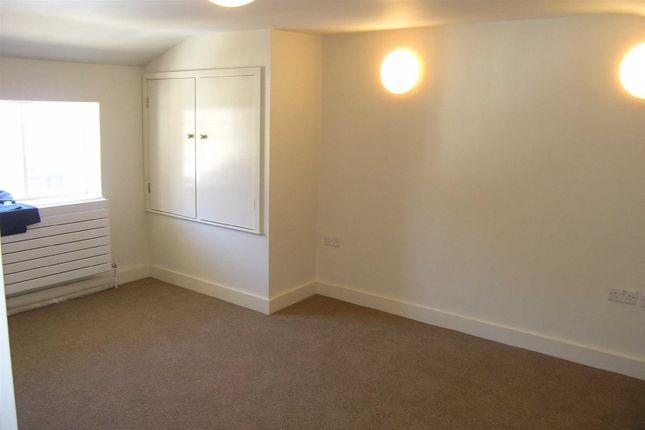 4 Fernbrook - Bedroom