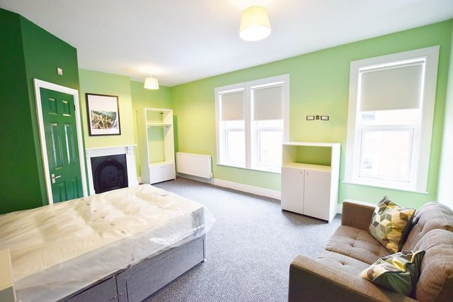 Thumbnail Room to rent in Lyndhurst Road, Derby, Derbyshire