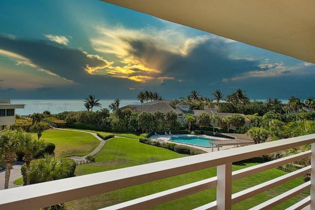 Town house for sale in 5558 Highway A1A #307, Indian River Shores, Florida, United States Of America