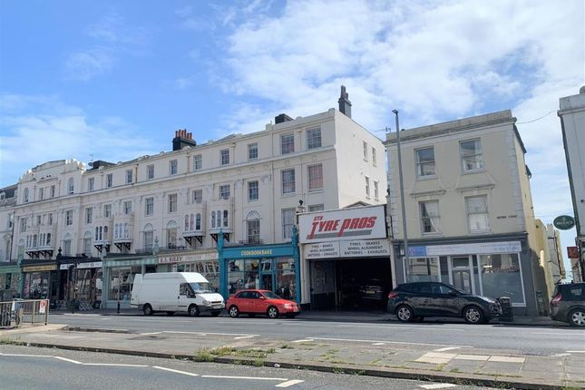 2 bed flat to rent in Victoria Terrace, Hove BN3