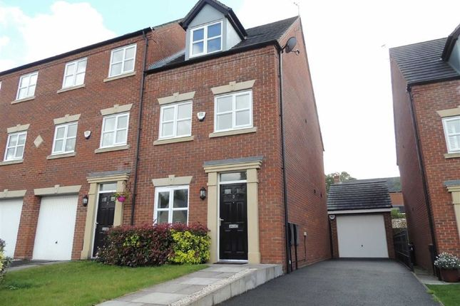 Thumbnail Town house to rent in Southwood Close, Marple, Stockport