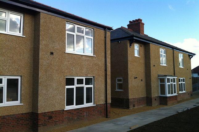 Thumbnail Flat to rent in Shelford House, Shelford Road, Trumpington