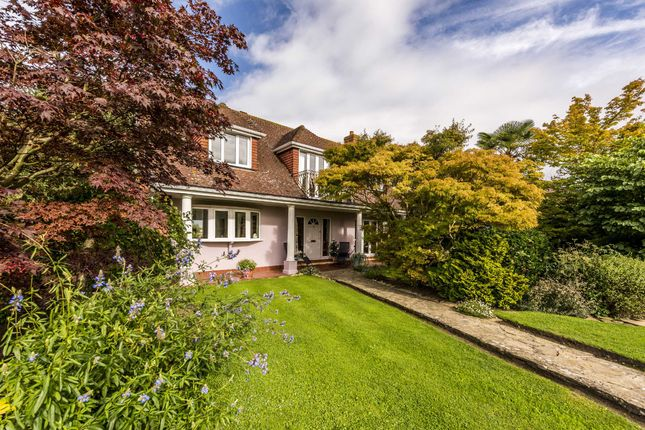 Thumbnail Property for sale in Chertsey Meads, Chertsey
