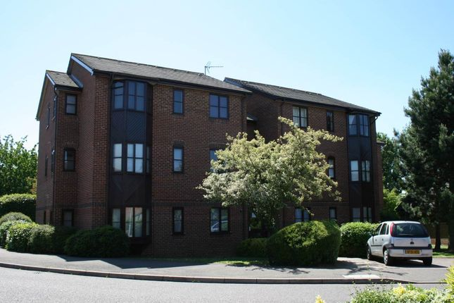 Thumbnail Flat to rent in Poets Chase, Aylesbury