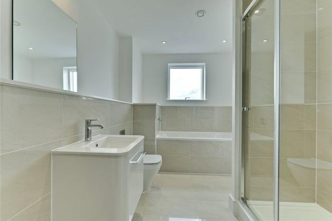 Family Bathroom of Kinsheron Place, 2 Pemberton Road, East Molesey, Surrey KT8