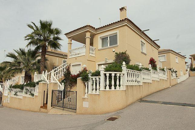 Villa for sale in Montegolf, Villamartin, Orihuela Costa, Alicante, Valencia, Spain