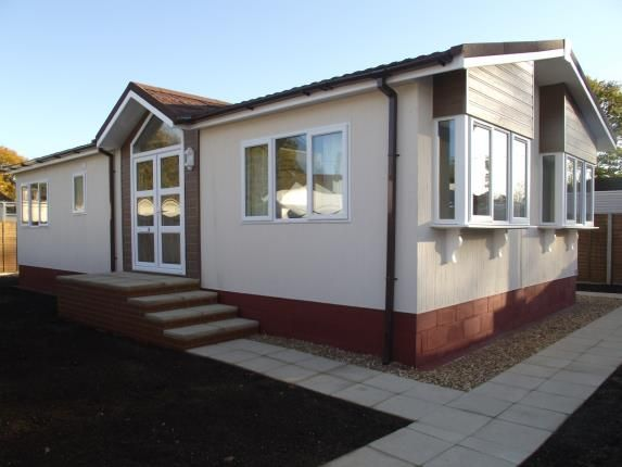 Thumbnail Bungalow for sale in Bourne Lane, Woodlands, Southampton