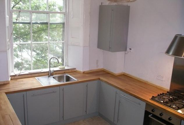 Thumbnail Flat to rent in Elm Row, Edinburgh