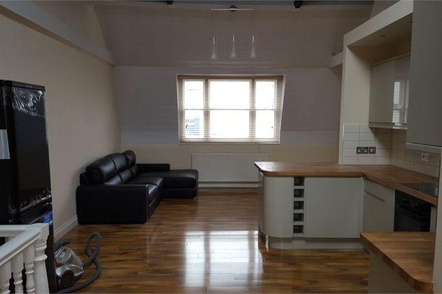 Thumbnail Terraced house to rent in Newark Street, Whitechapel / Aldgate
