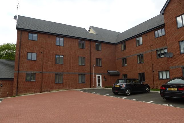 Thumbnail Flat to rent in Kirkistown Close, Rugby
