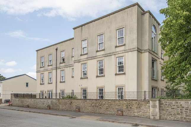 Thumbnail Flat for sale in Swindon, Wiltshire