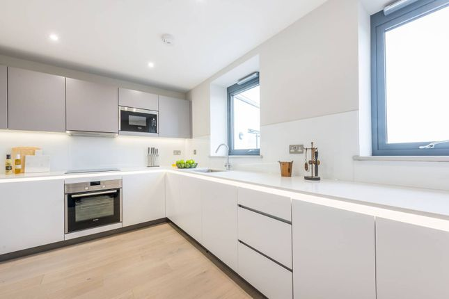Thumbnail Flat to rent in Singapore Road, West Ealing