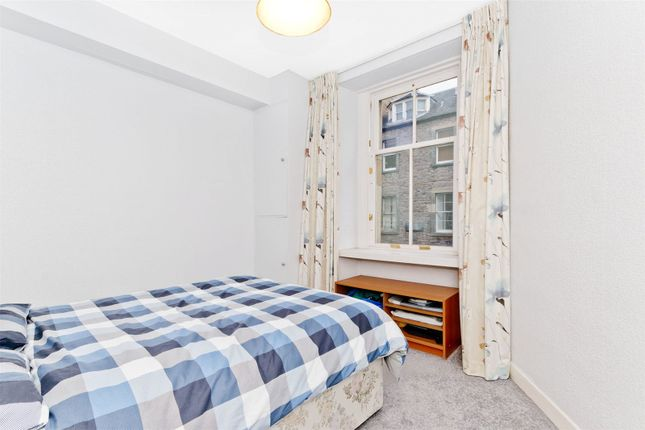 Bedroom1 of Sciennes House Place, Sciennes, Edinburgh EH9