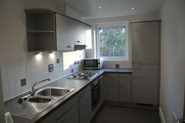Thumbnail Flat to rent in Erebus Drive, Royal Artillery Quays, London - Available Now !