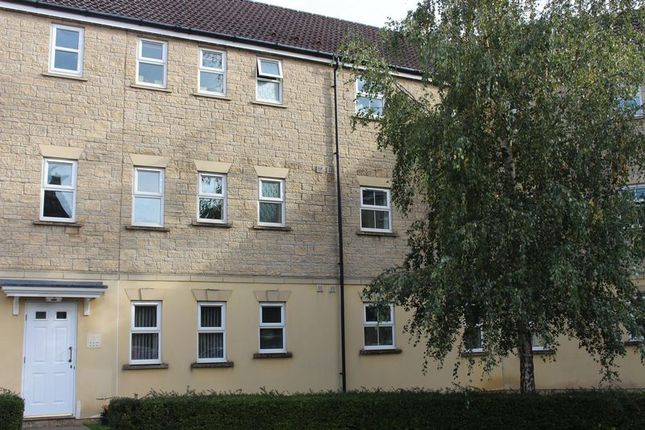 Thumbnail Flat for sale in Kingfisher Court, Calne