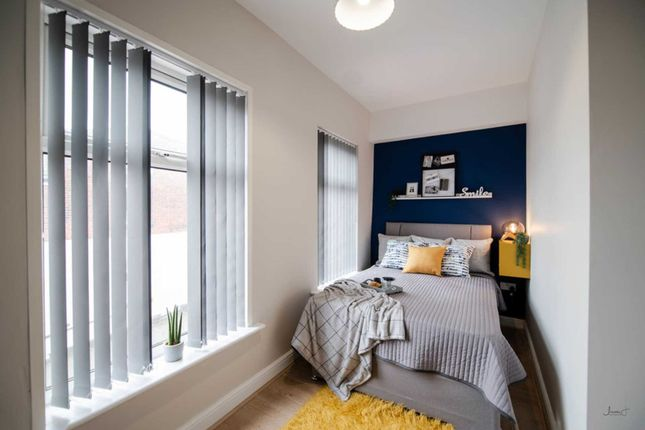 Thumbnail Shared accommodation to rent in Park Street, Farnworth, Bolton