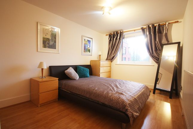 Flat to rent in Wadbrook Street, Kingston Upon Thames