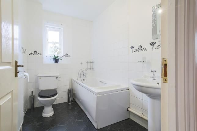 Family Bathroom of Buckley Close, Forest Hill, London, . SE23