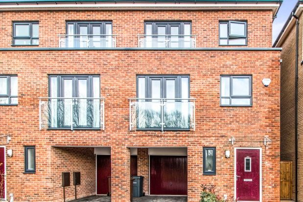 Thumbnail Property to rent in Mallow Drive, Salford