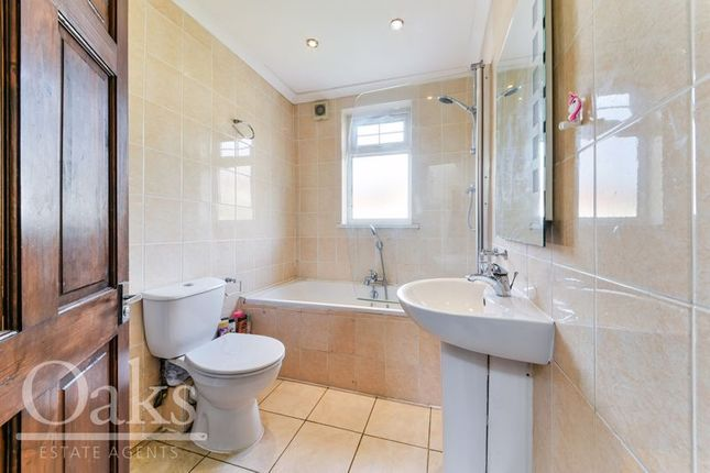Bathroom of Parry Road, London SE25