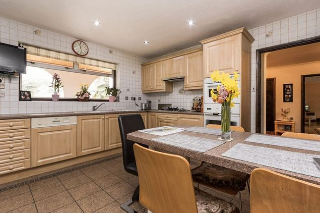 Thumbnail Detached house for sale in Parkstone Avenue, Hornchurch