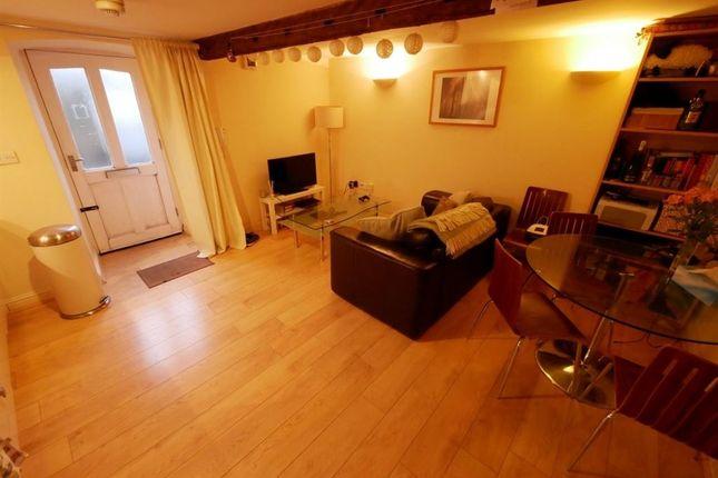 1 bed flat to rent in Burley Road, Burley, Leeds