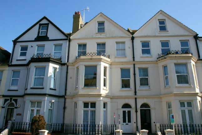 Studio to rent in Enys Road, Eastbourne