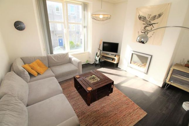 Thumbnail Flat to rent in Albyn Grove, Aberdeen