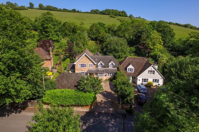 Thumbnail Detached house for sale in The Coombe, Streatley, Reading
