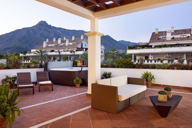 4 bed apartment for sale in Marbella, Málaga, Spain