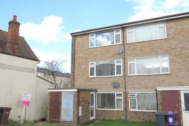 Thumbnail Maisonette for sale in Queens Road, Royston