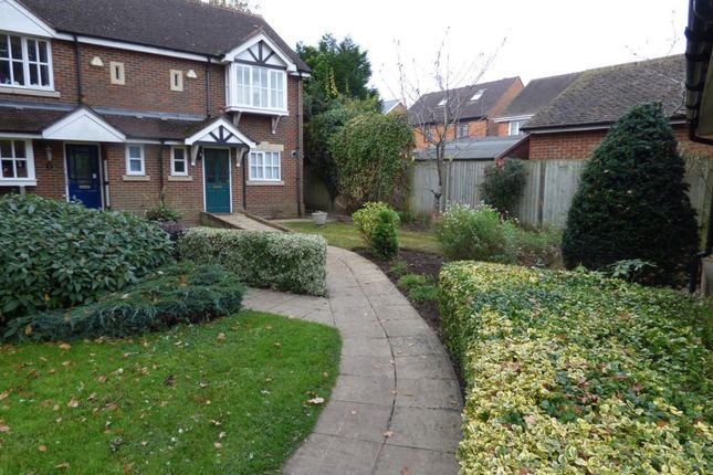 2 bed terraced house for sale in Denton Road, Wokingham RG40
