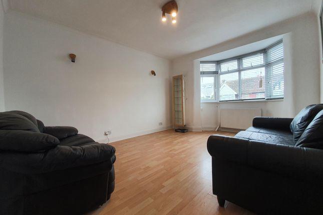Thumbnail Flat to rent in Rosebank Avenue, Sudbury Hill, Harrow