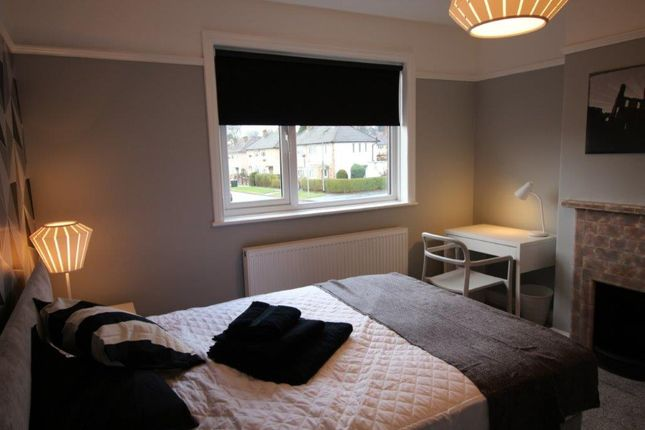 Thumbnail Shared accommodation to rent in Swinnow Road, Leeds