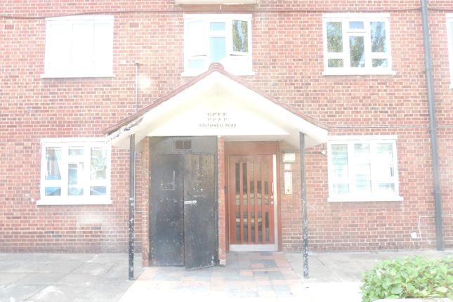 Thumbnail Flat to rent in Southwell Road, London