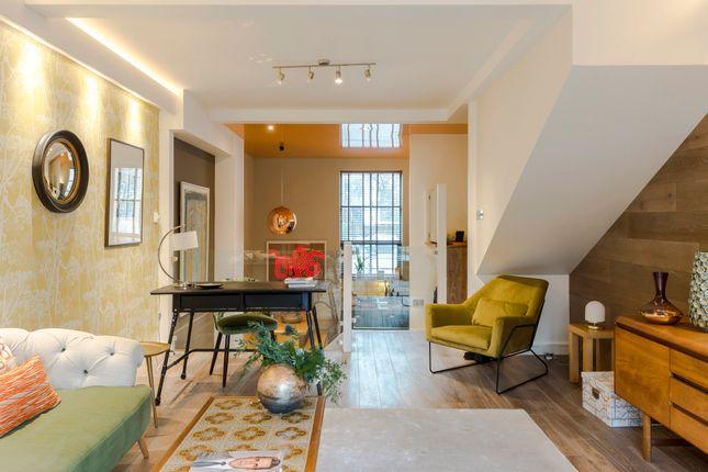 Thumbnail Duplex to rent in Leathermarket Court, London