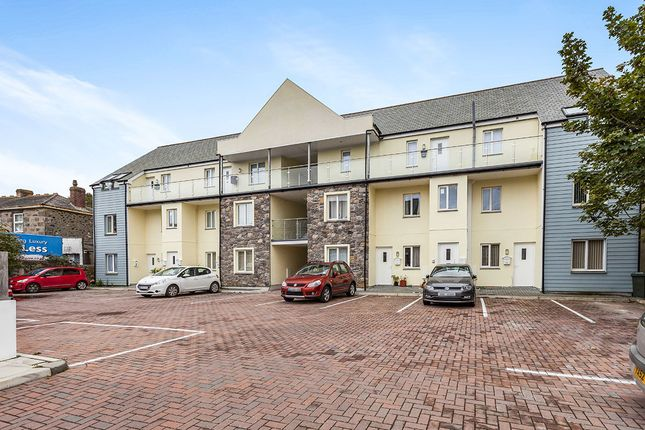 Thumbnail Flat for sale in North Parade, Camborne