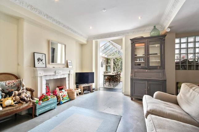 Thumbnail Flat to rent in Colville Terrace, London