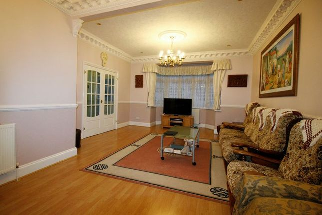 Thumbnail Terraced house to rent in Hillview Crescent, Cranbrook, Ilford