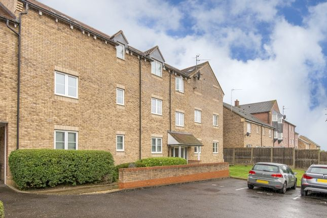 2 bedroom flat to rent in Rosemary Drive, Banbury