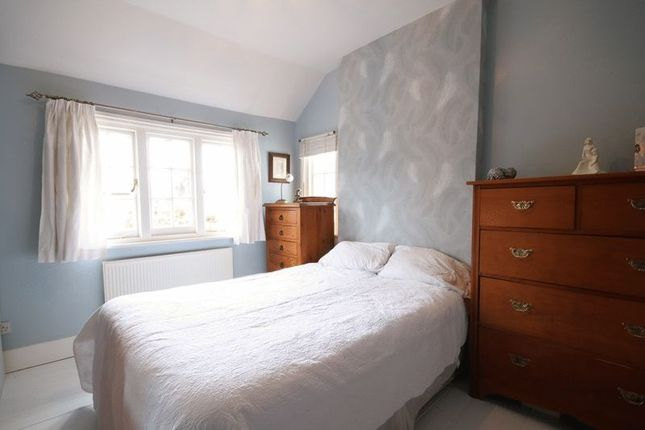 Bedroom 2 of Reigate Road, Leatherhead KT22