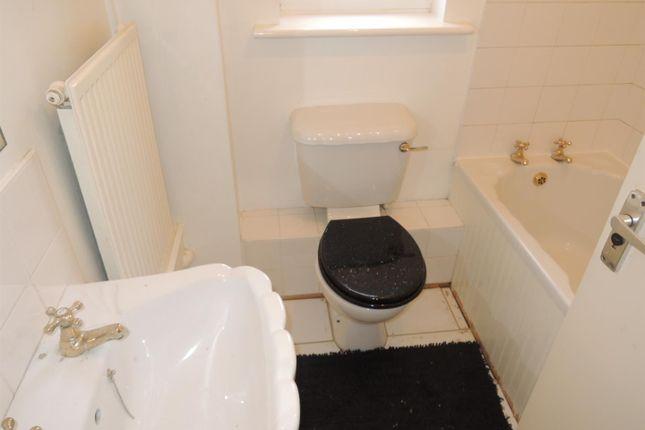 Bathroom: of Cleveland Close, Highwoods, Colchester CO4