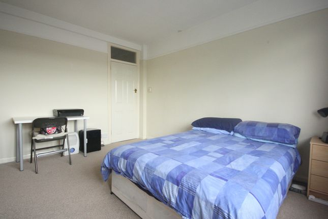 Thumbnail Flat to rent in Kingston Road, Kingston Upon Thames