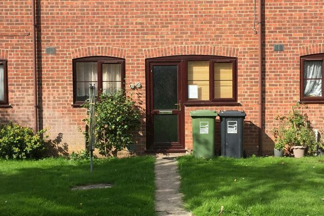 Thumbnail Flat to rent in Weavers Close, Stalham, Norwich