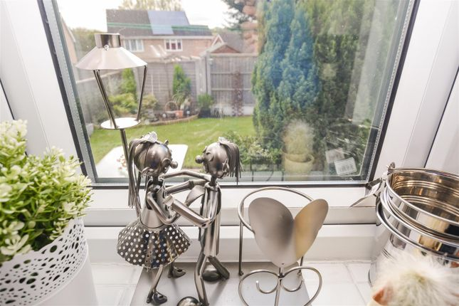 Kitchen View of Lambourne Rise, Bottesford, Scunthorpe DN16