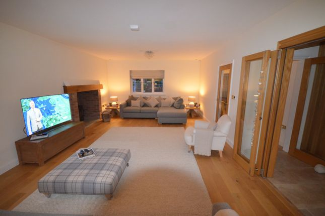 4 bed detached house to rent in Saughall, Chester CH1
