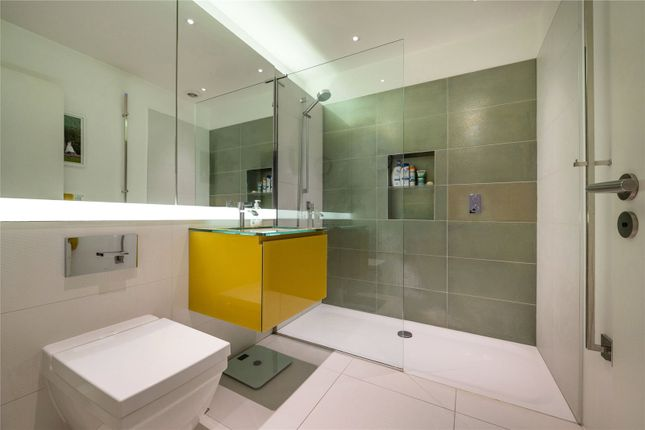 Bathroom of Pindock Mews, Little Venice, London W9