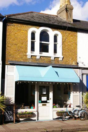Thumbnail Restaurant/cafe to let in Oatlands Drive, Weybridge